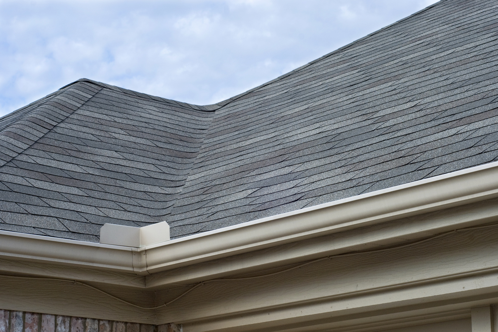 Benefits of Seamless Gutters – Home Builder | Roofers | Log